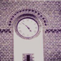 10-muenchehofe-kirchturmuhr